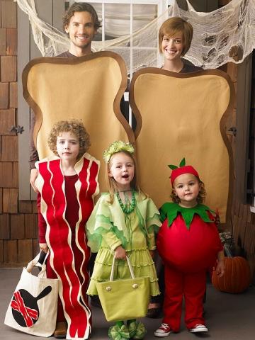23 Genius Family Costume Themes