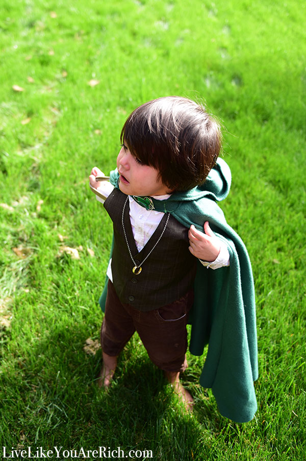 Frodo Halloween Costume for a Toddler