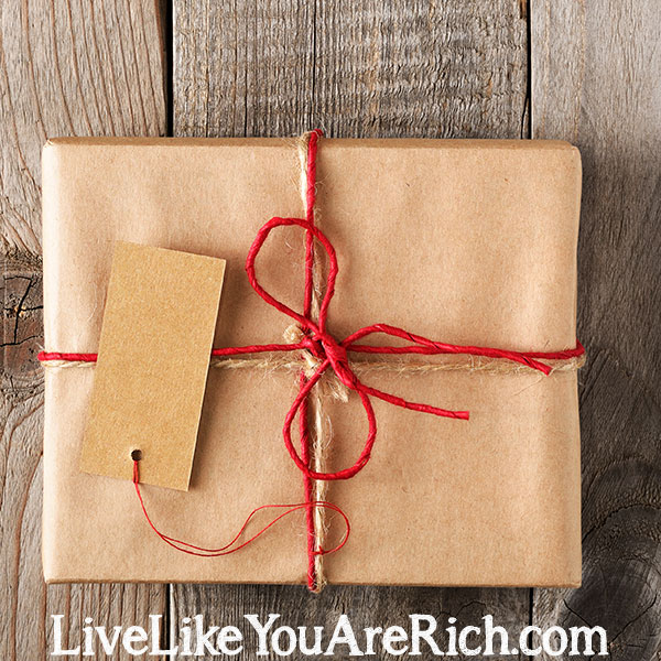 How to Save Money on Gift Giving