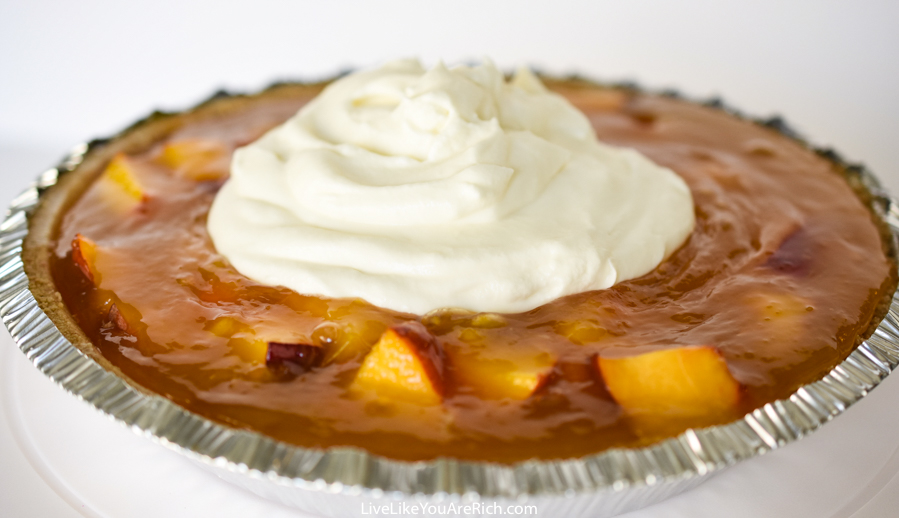 Aunt Elva's Famous No-Bake Peach Pie